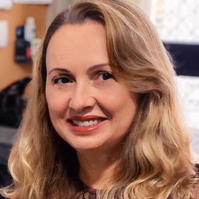 Profa. Dra. Etiene Oliveira da Silva Fittipaldi