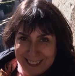 Profa. Dra. Lygia Paccini Lustosa