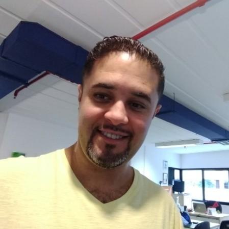 Rogério Molina