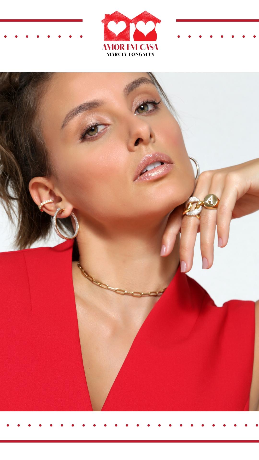 A união do ródio negro com a pérola negra reflete o olhar de Marcia Longman para a joalheria atual com um estilo único e exclusivo.