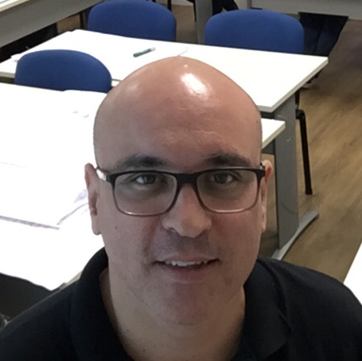 Prof. Roberto Herrera Arbo