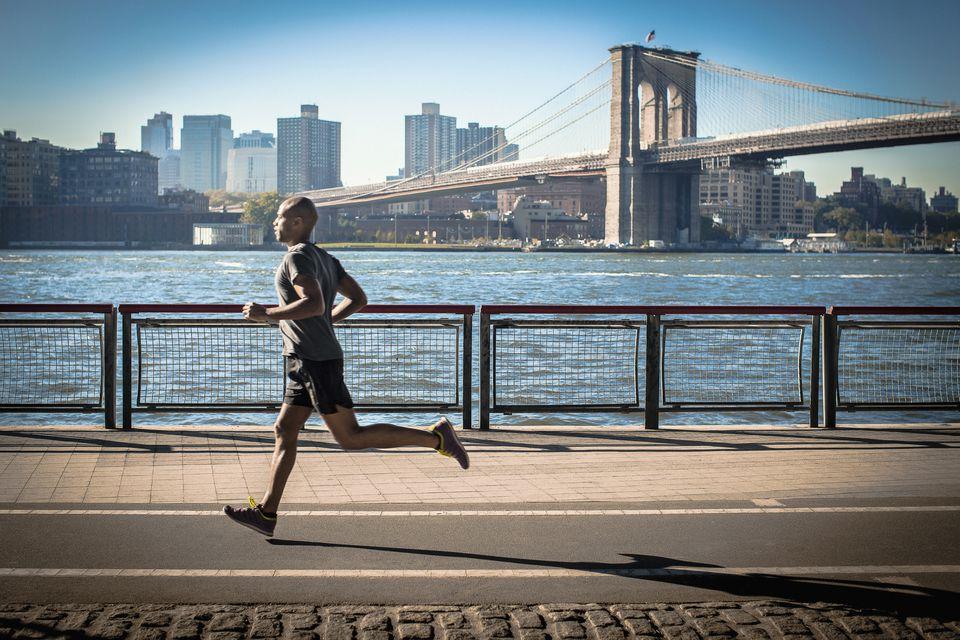 Atinja a maratona